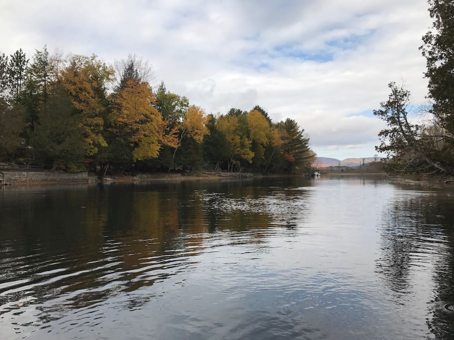 schroon lake chat sites Village campground come and spend your vacation with us on beautiful lake champlain at the village of port henry champ rv video chat with author elizabeth.