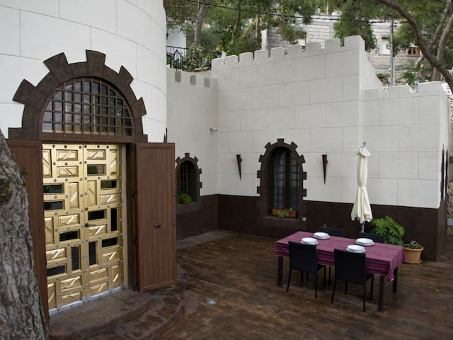 EL CASTILLICO  casa con encanto - Yecla