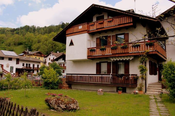 accogliente mansarda di montagna  - Tonadico - Apartment