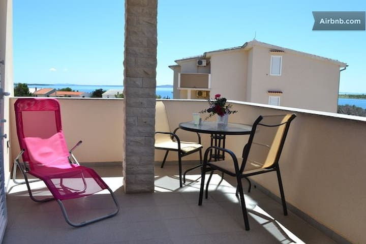 Sea apartment Volf 5, Pag  - pag - Pis