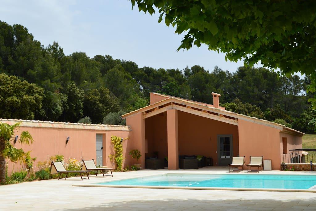 mas provencal aix en provence villas for rent in aix en provence provence alpes c te d 39 azur. Black Bedroom Furniture Sets. Home Design Ideas