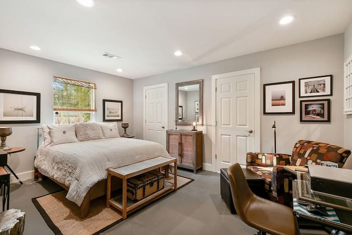 Large Master  Bedroom with private bath.    Plenty of closet space