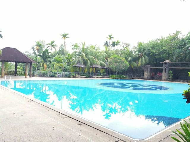 A Pool View Condo Resort[Homestay] near Georgetown - Gelugor - Leilighet