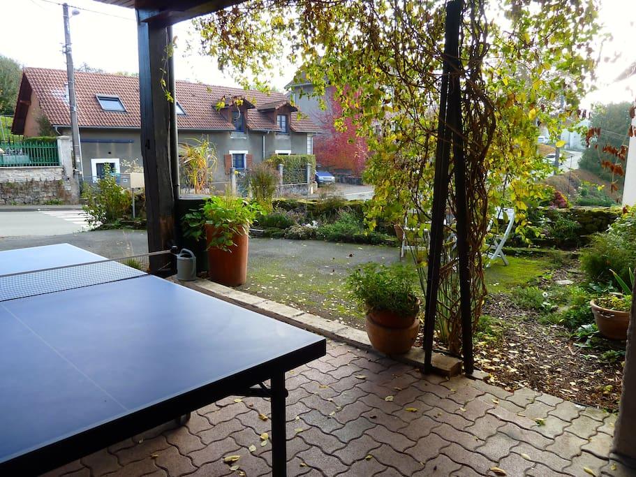 Table de ping pong (rangée en hiver)