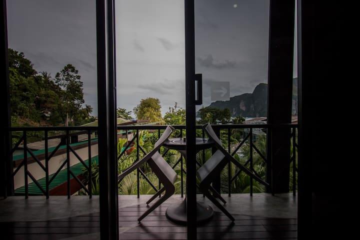 Cozy room  DoubleorTwin bed balcony + garden view
