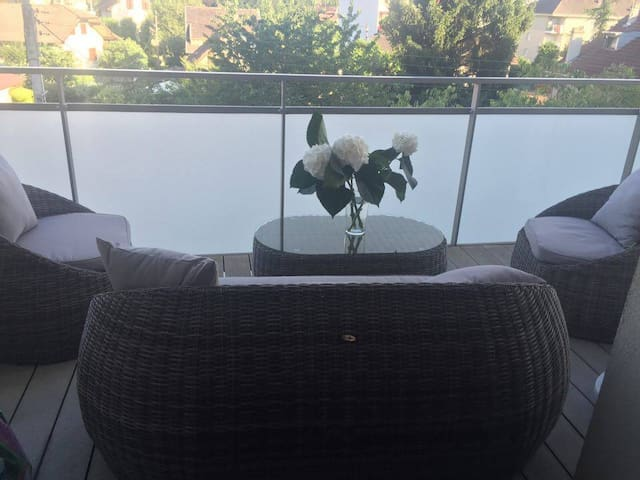 Joli T2 centre calme lumineux - Annemasse - Apartment