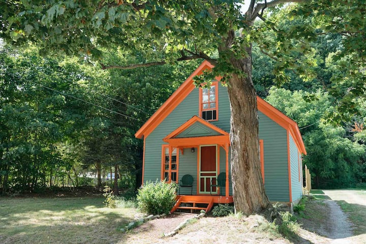 Maple Tree Cottage