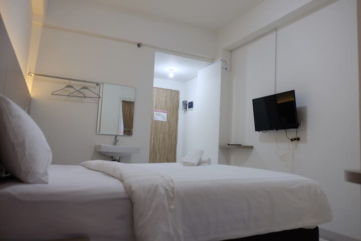 Candiland Apartment - Studio Room (Landlord)