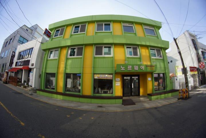 MokpoNorwayGuesthouse(4인실) - Honam-ro 64beon-gil, Mokpo-si - Rumah Tamu