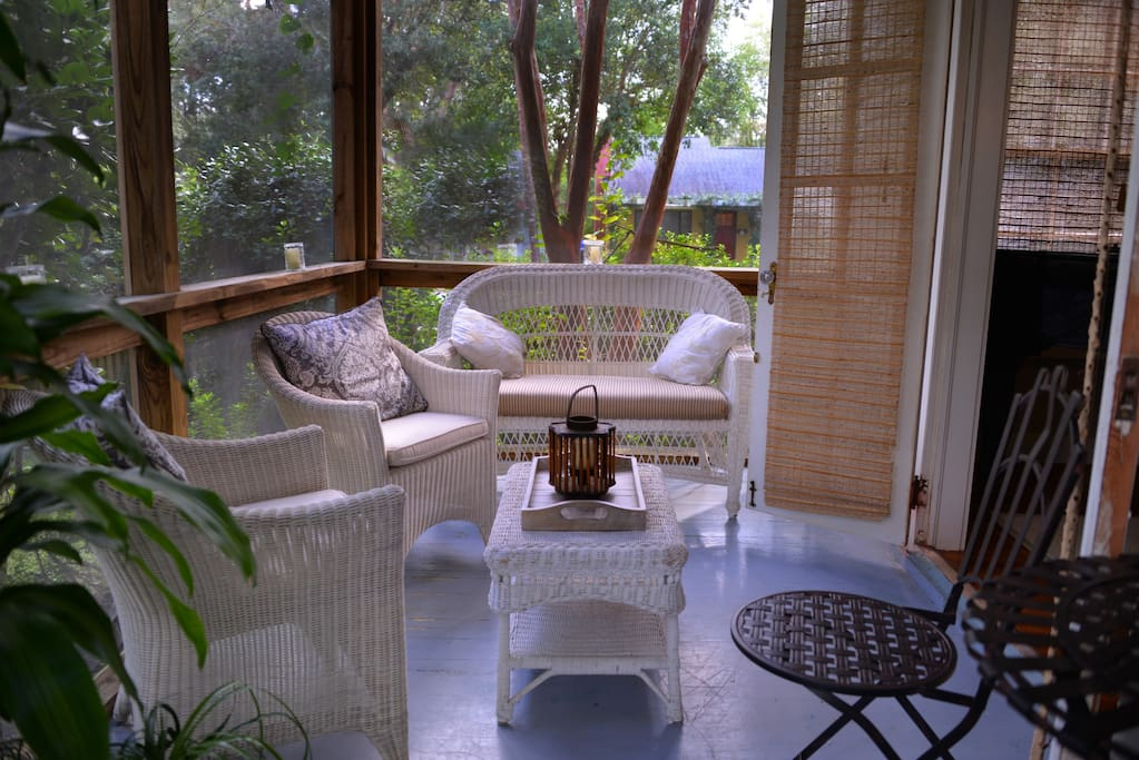 Screened Porch off Sitting Room