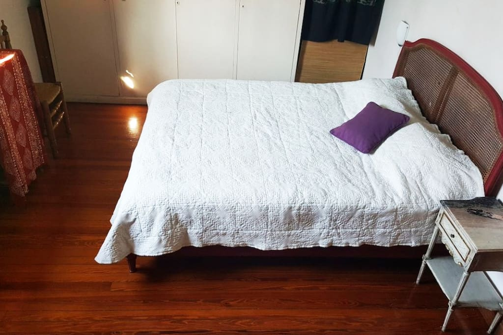 Habitación cama de dos plazas