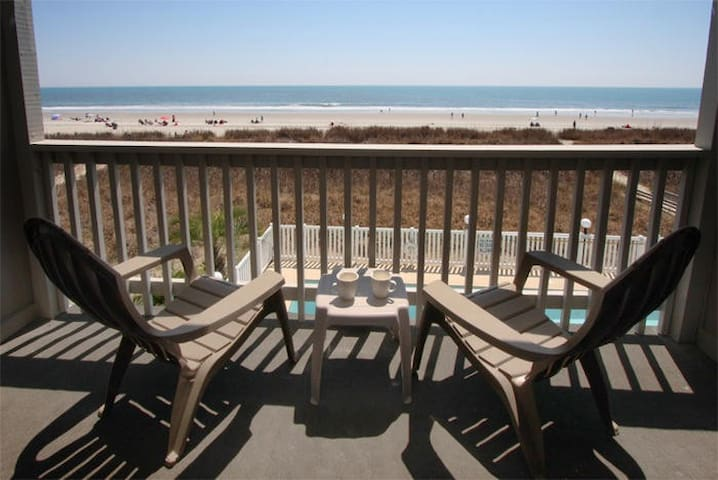 Direct Oceanfront Close to Main St - North Myrtle Beach - Kondominium