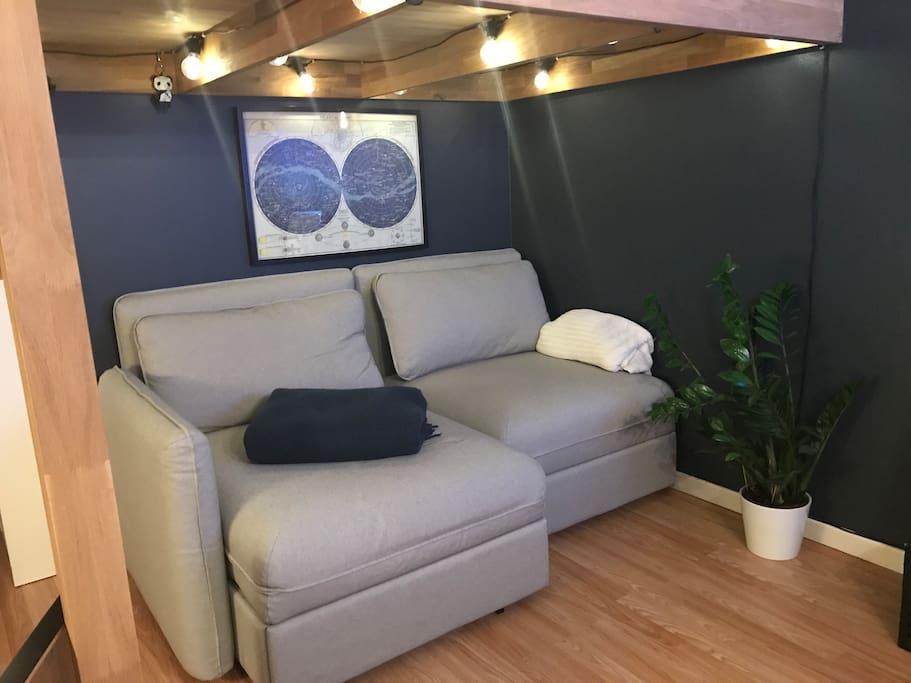 Sofa med mulighet til å omgjøre til 90cm-seng