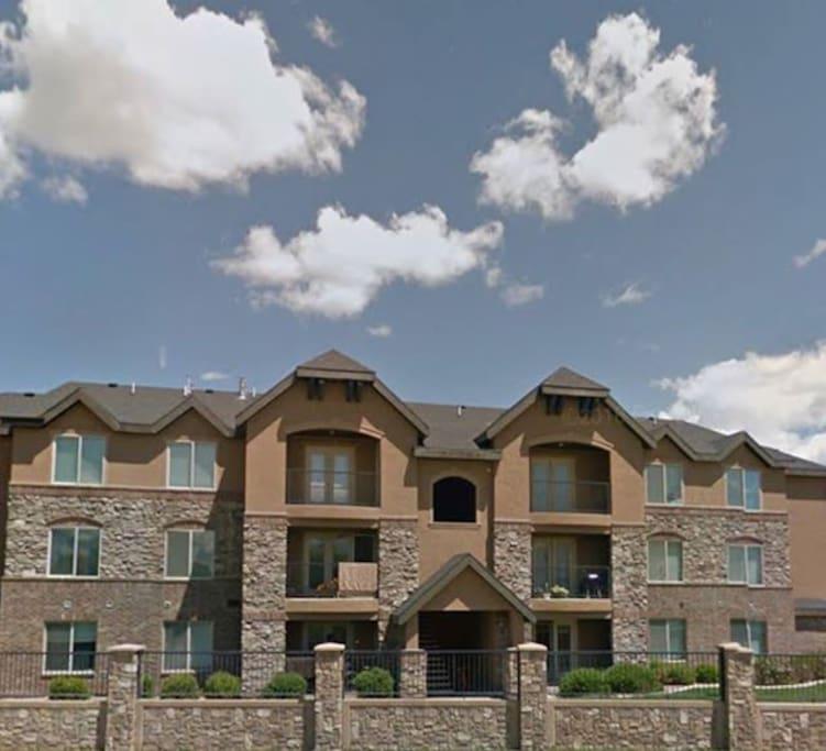 Ridgestone Deluxe Condominium