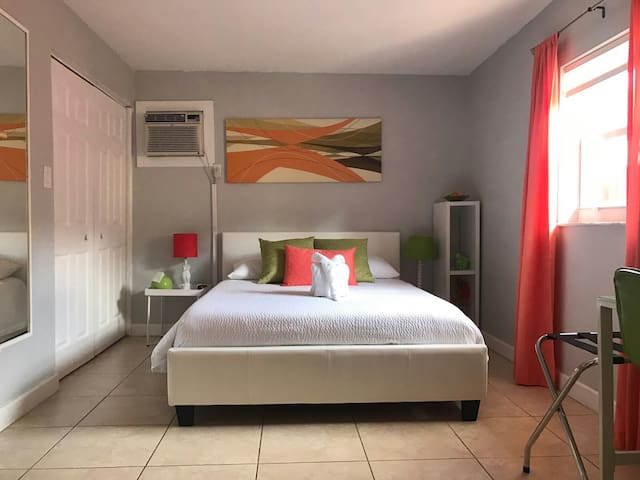 APARTMENT UP TO 4 PEOPLE IN MIAMI - Miami - Huis