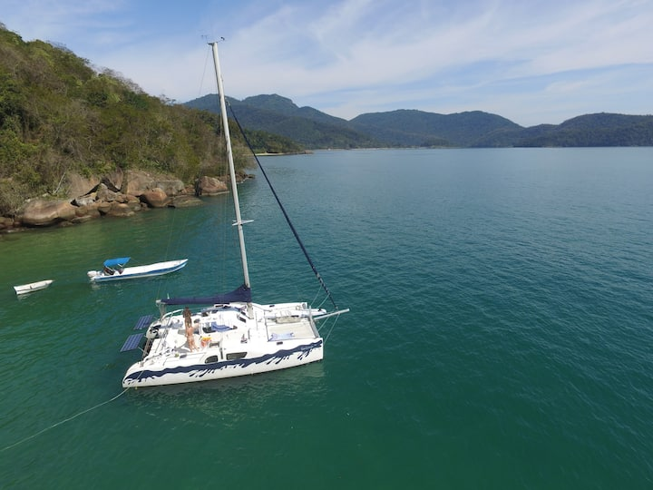 Catamaran Exclusivo Baia da Ilha Grande