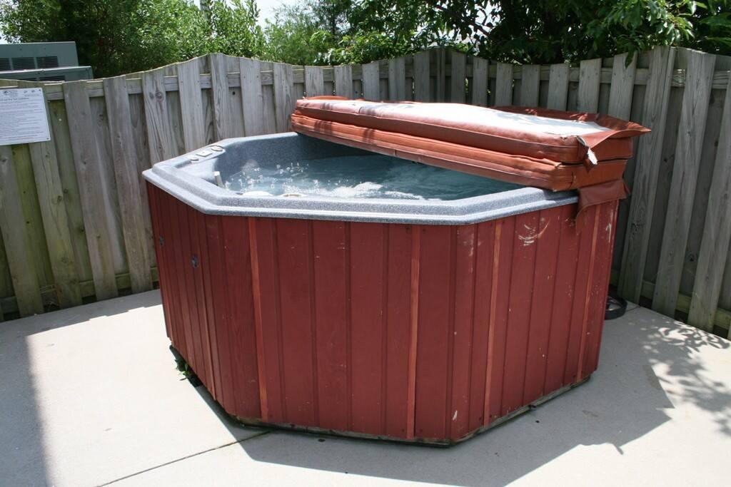 SV14: Legal Ease   Hot Tub