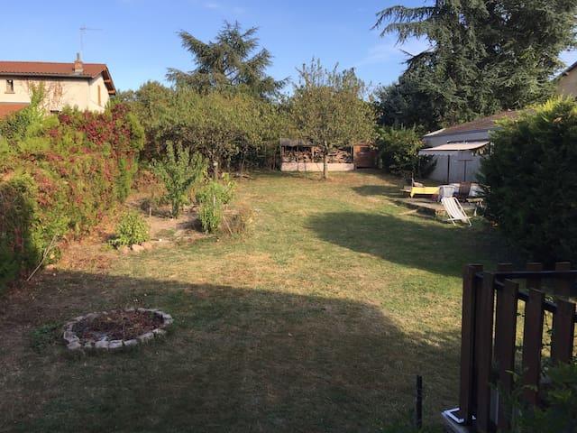 2 chambres au calme avec jardin - Craponne - Casa