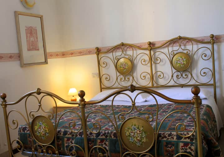 New double room in Siena with free parking