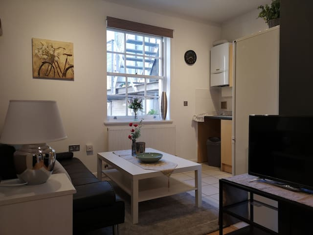 3 bed in Shoreditch with terrace