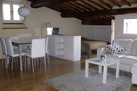 Charming studio in historic center - Spoleto - Byt
