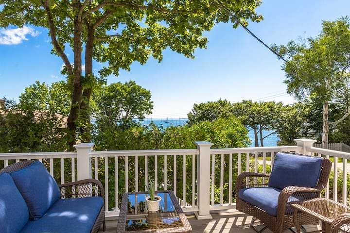 Bay Cottage - Camden Home with a View