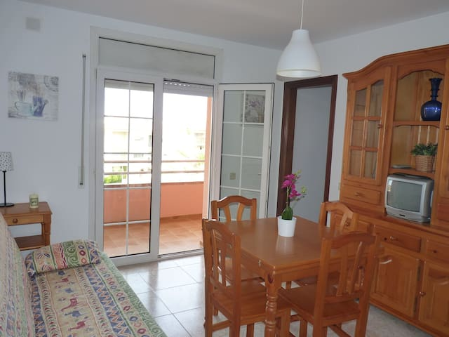 Nice apartment 400m from beach  - Torredembarra - Appartement en résidence