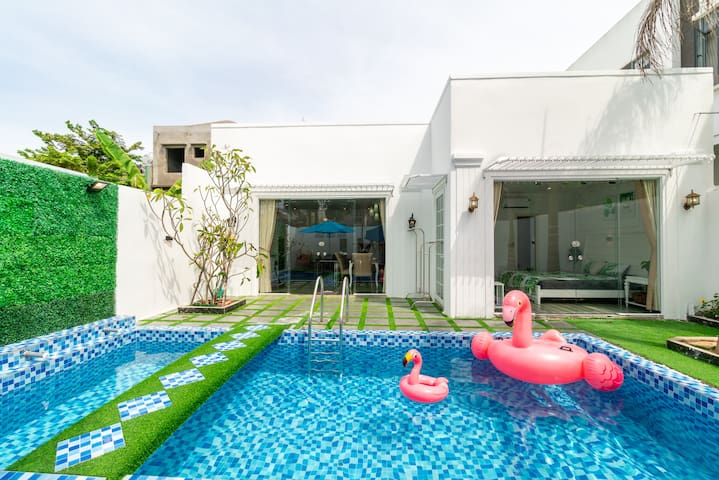 ❤️White 4BR Pool Villa★SUPER KING BEDS★FREE pickup
