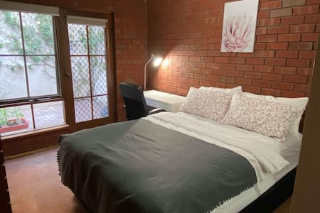 Female Big Private Single Room near China Town