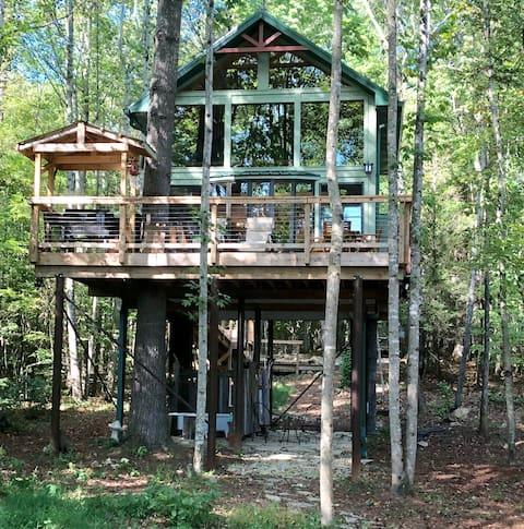 Upper Stone Mountain Treehouse
