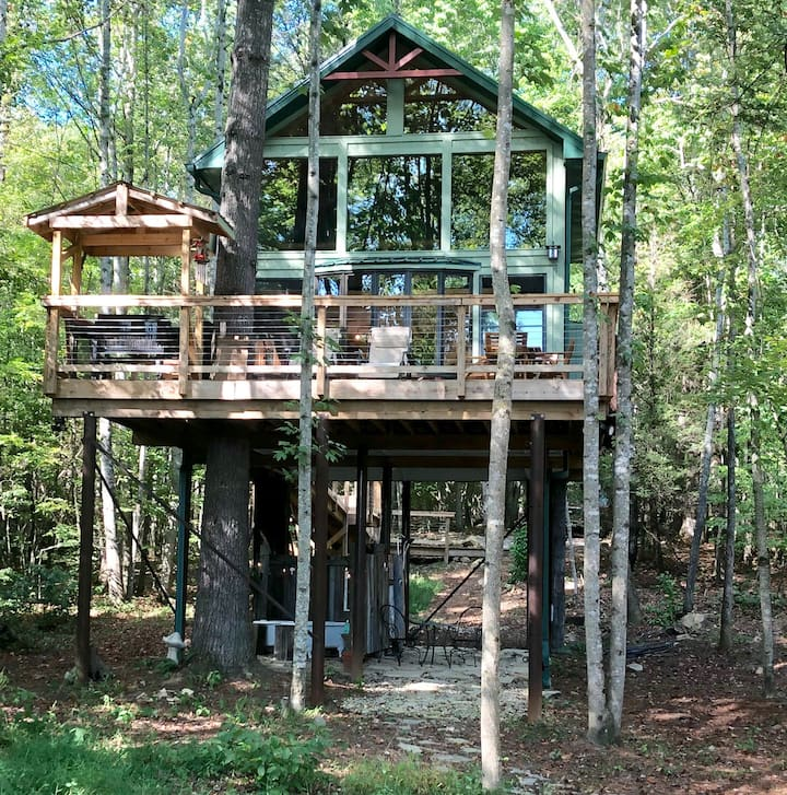 Upper Stone Mountain Treehouse