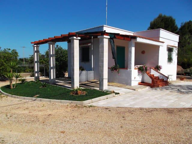 Villa nei pressi di TORRE GUACETO   - Carovigno - House