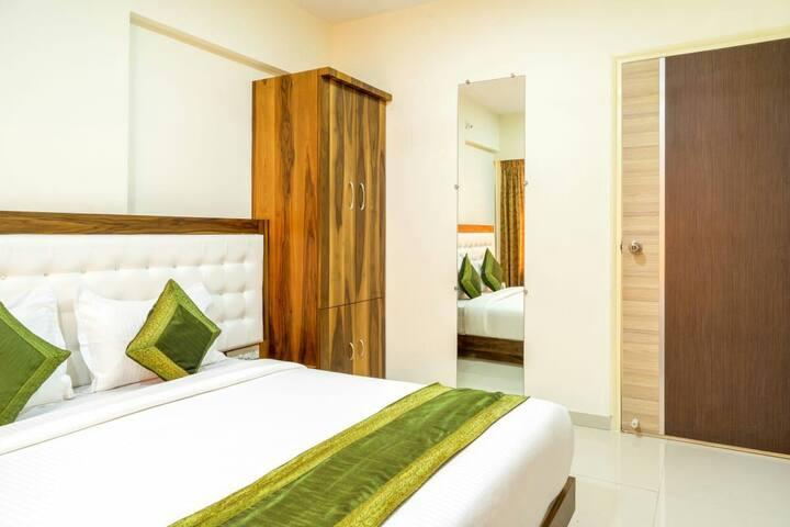 Private Room at Chandivali Powai Hiranandani