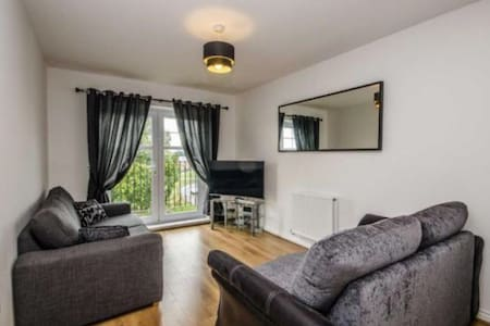 Modern two bed apartment nr Chester - Penyffordd - Apartament