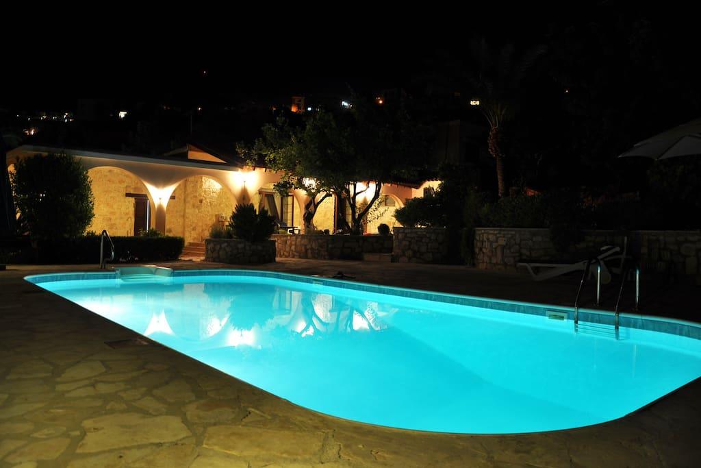 Night shot - Swimming Pool