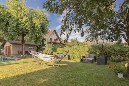 Charming Villa close to Lake (room with balcony) - Krumpendorf am Wörthersee