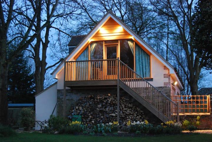 Fabulous loft in rural location, super-king bed