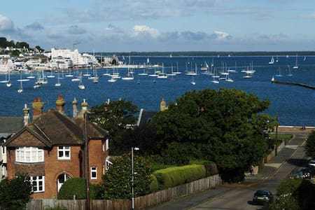 Richmond Villa by the Solent IOW - East Cowes - วิลล่า