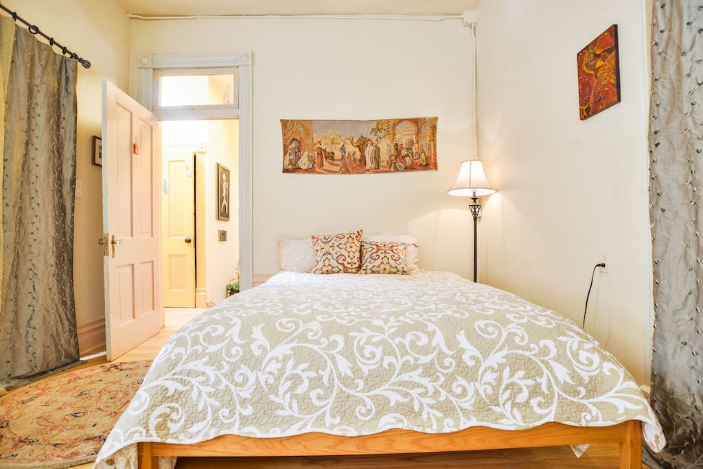 Prairie w/ queen size bed.