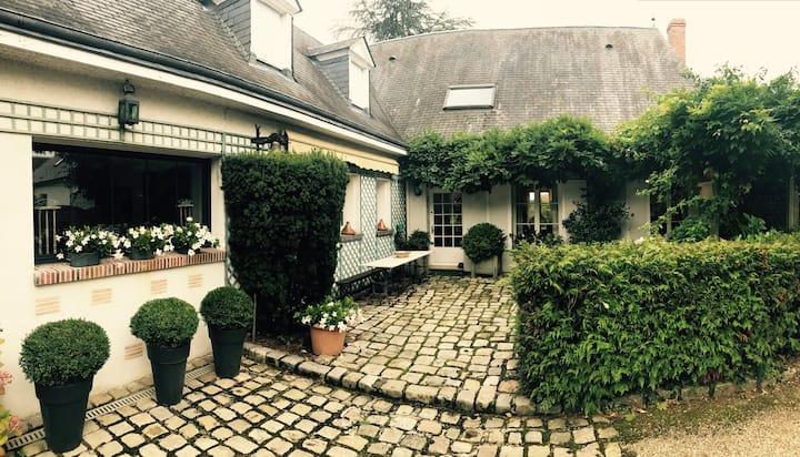 Maison de charme sur les bords de Loire-Orléans