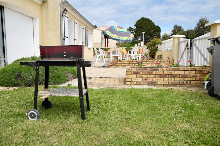 Ideal house for invigorating family holidays in Brem-sur-Mer