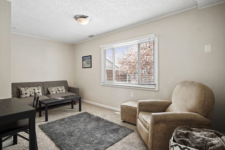 Great office space, 4th bedroom, baby room, ...