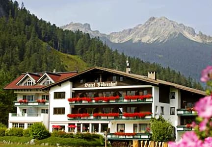 Suite with breakfast & active card - Stanzach - Bed & Breakfast