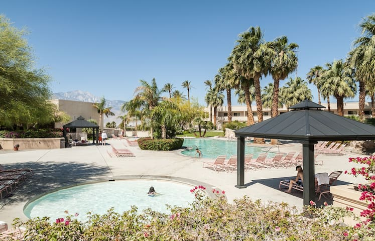 Villa #2 Miracle Springs Resort Spa - Desert Hot Springs - Villa