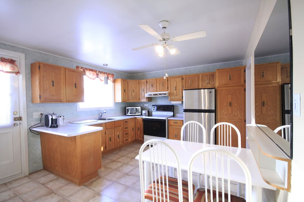 Equipped spacious kitchen