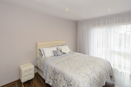 3 Bed Modern Bungalow (including 1 nursery room) - Bettystown - Apartment - 1