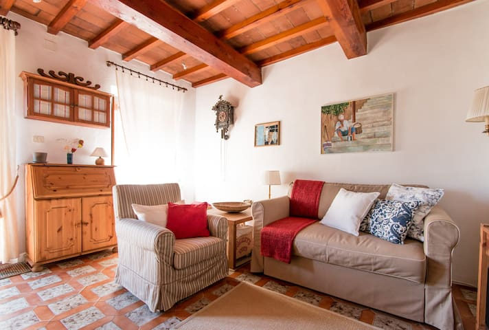 Charming Home in Tuscan hill town - Gioviano - Casa