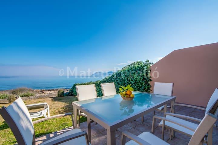 MaB1: Villa with amazing views and sea access