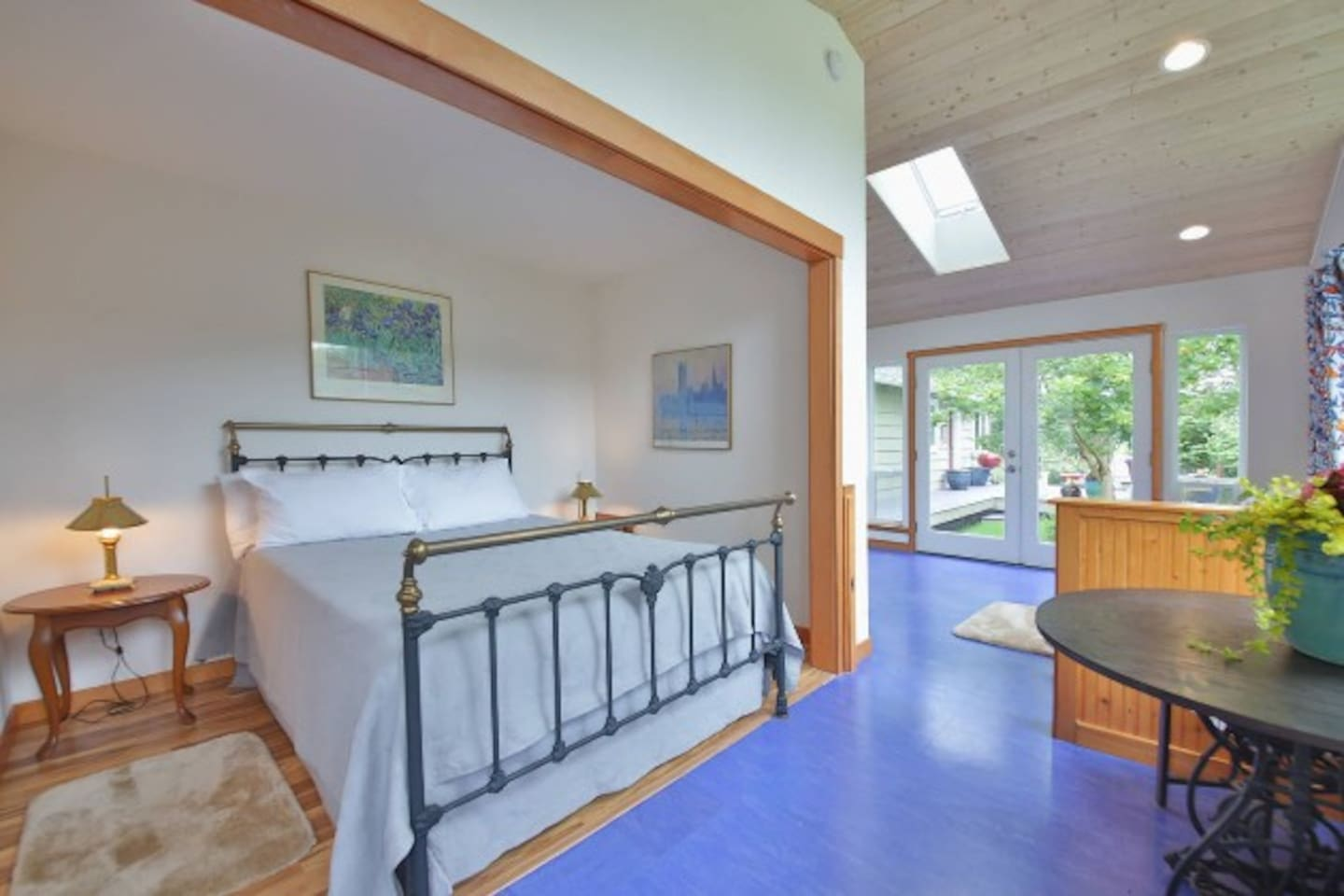 View from your own separate entrance with a key-less lock for your security into private sunny studio with new queen-sized bed.  Smart TV & WiFi;    No cable TV
