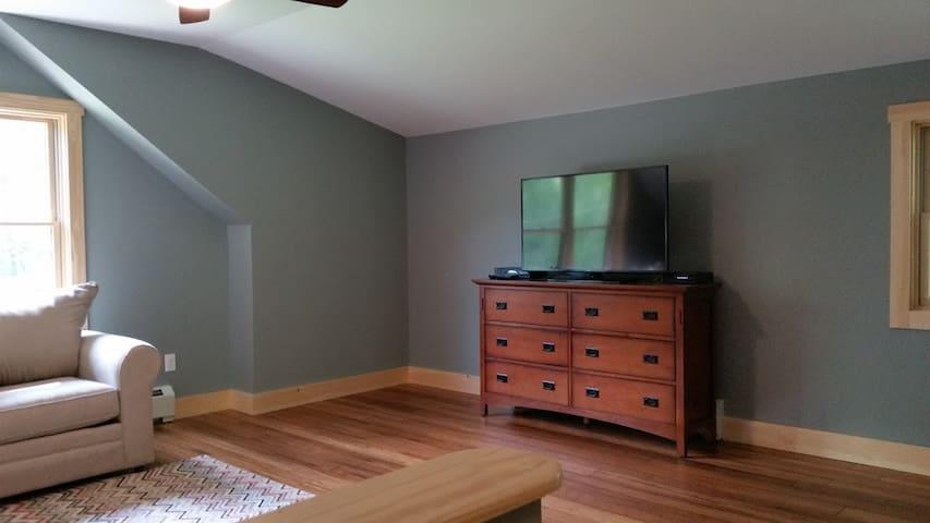Second Floor Living Area